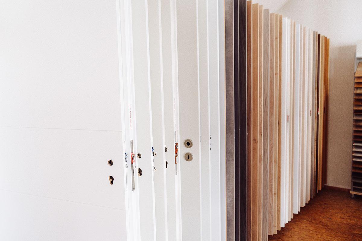 Ausstellungsraum der Schreinerei Mayer, Langweid